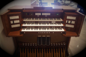 (small version) Allen Protégé AP-9 Console at Holy Trinity Riverbend Anglican Church, prior to being moved to St. David's Anglican Church Edmonton